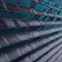 Ein Wabenplissee-verdunkelnd schützt vor optischen Außenreizen
