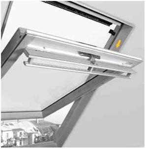 velux dachfenster mit rollo cool architektur velux dachfenster rollo halterung with velux. Black Bedroom Furniture Sets. Home Design Ideas
