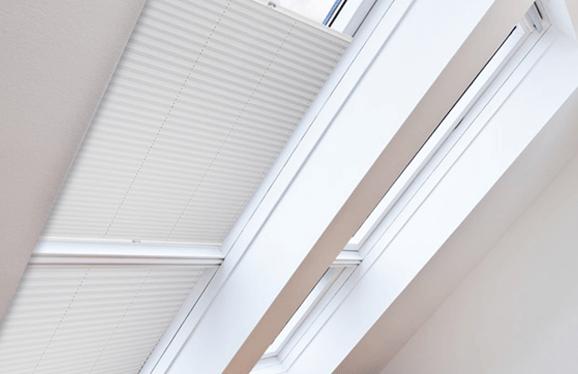 Sonnenschutz Dachfenster Plissees